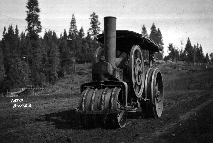 Forebay-Dam-roller-showing-interlock-flanges-on-wheel